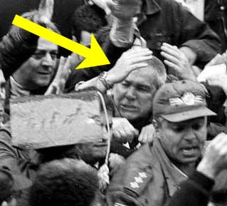 Covas agredido em protesto de professores, ano 2000.