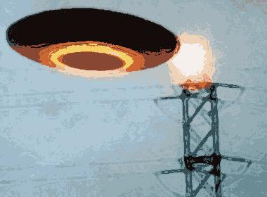 Disco voador perto de torre de transmissão - Revista UFO.