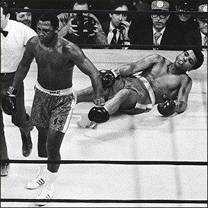Frazier: Ali derrotado pela primeira vez.
