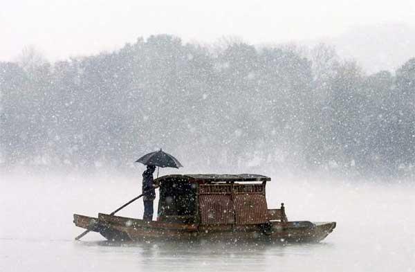 barqueiro em Hunan, China